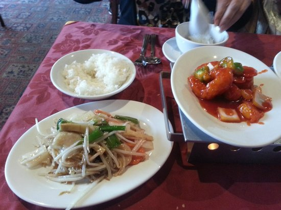 Beijing Palace: rianbow veg, rice , sweet n sour pawn