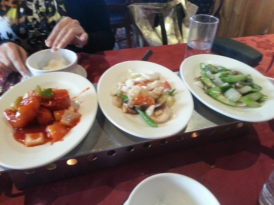 Beijing Palace: scallops, asparagus,, lots more