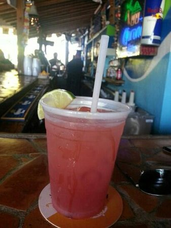 Gilligan's Island Bar and Grill: Great rum runners!