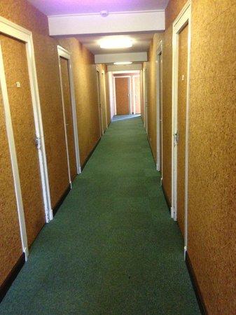 Hotel Du Sablar : le couloir liège