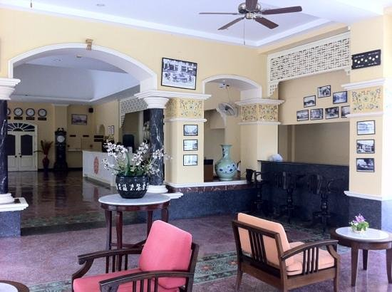 The Front Village Hotel: Front Desk & Lobby