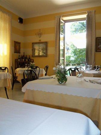 Albergo Ristorante La Torre : sala ristorante