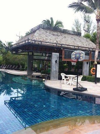 โรงแรมฟร้อนท์ วิลเลจ: Clean pool