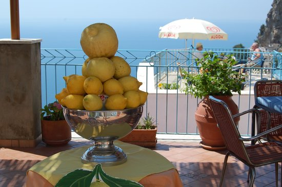 Cocktail Bar Pogerola Amalfi Coast