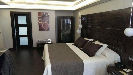 Vincci Selección Aleysa Hotel Boutique & Spa: Our bedroom