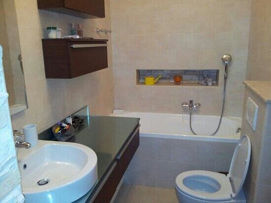 Pansion Tina : bathroom (app 5)