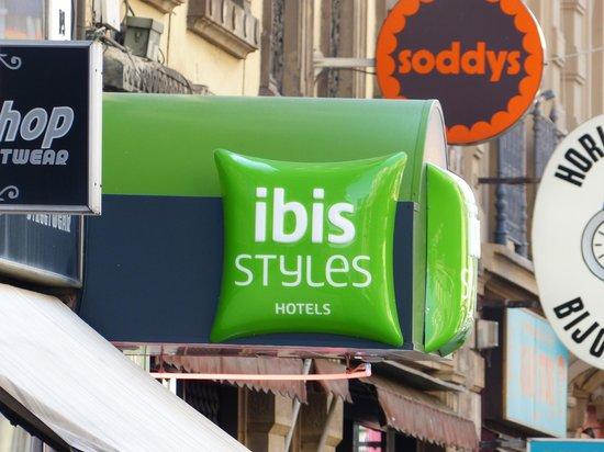 Ibis Styles Strasbourg Centre Gare: The hotel sign