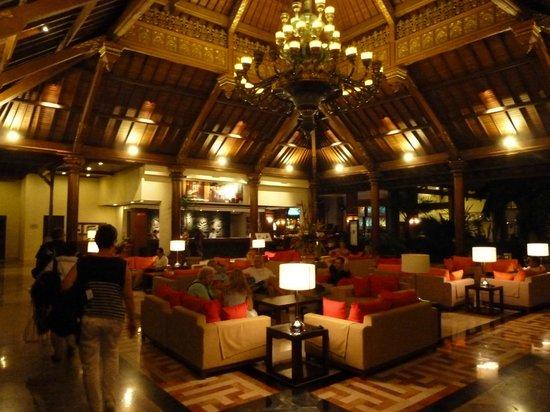 Prime Plaza Hotel Sanur - Bali: Le lobby