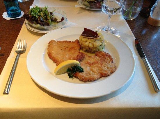 Hotel Liebesglück: Astenblick, restaurant Pascha, schnitsel