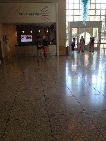 San Jose Museum of Art: entrance