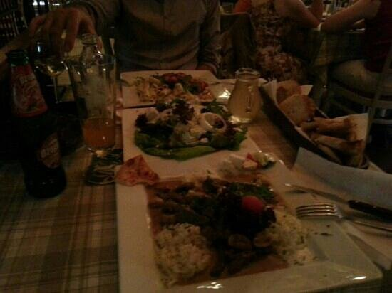 Megi : Very nice dinner, excellent restaurant, music ambient, staff. Very nice. Kepp coming back.