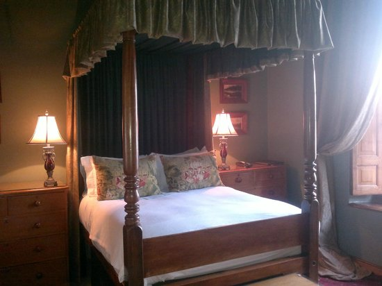 Dutch Manor Antique Hotel: Photo by Character Stay