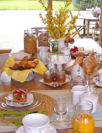 La Longere, Luxury b&b : Breakfast table