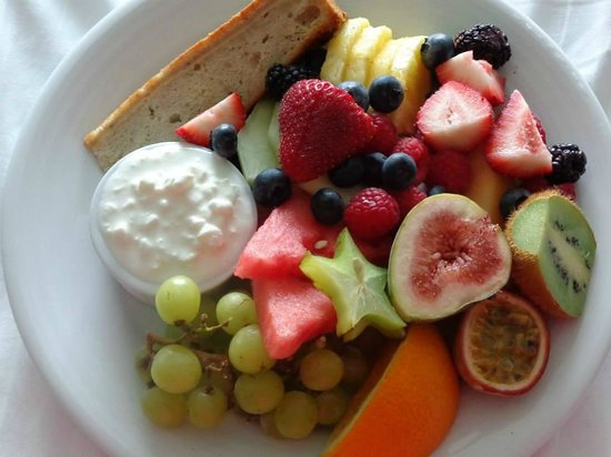Le Westin Montreal: Our Fruit Breakfast Platter Room Service