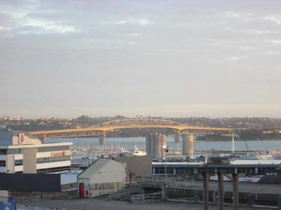 The Albion Hotel: The Harbour Bridge from my window