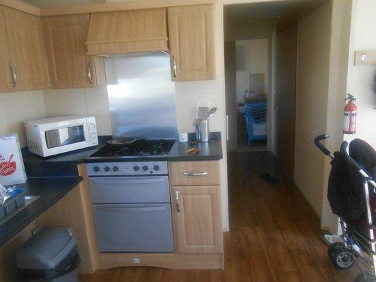 Sandylands Holiday Park - Park Resorts: kitchen
