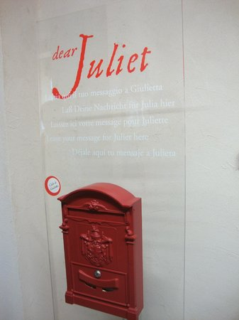 Tomba di Giulietta: Messaggio per Giulietta