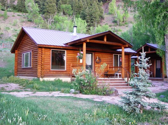High Country Lodge: Our cabin