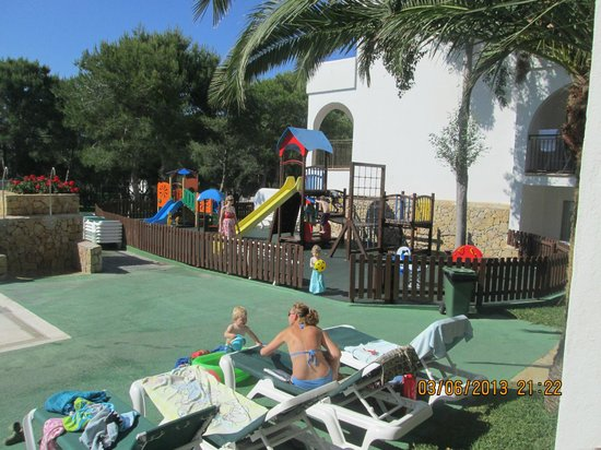 Apartamentos Cala d'Or Playa: play area for kids