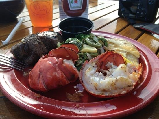 Oliver's at Cozy Harbor: steak and lobster