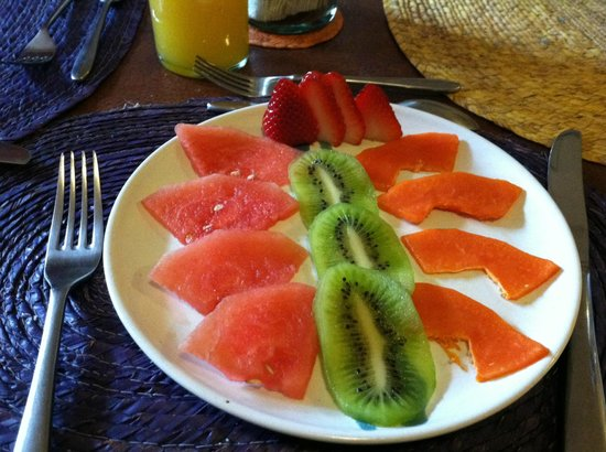 Casa Tlaquepaque Hotel-Galeria: Pre-Breakfast snack waiting for me