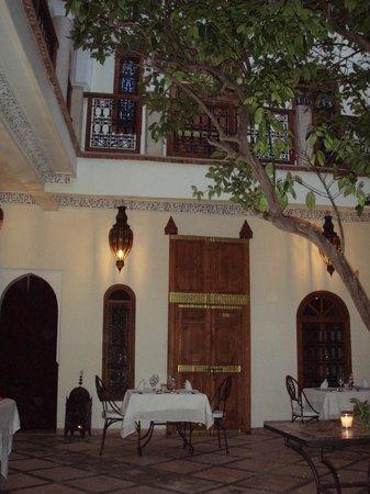 Riad Granvilier: 1. Courtyard