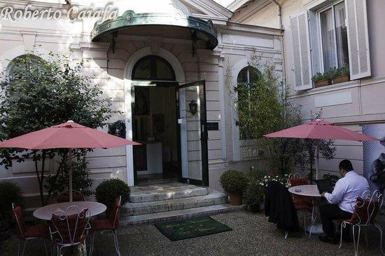 Hotel Le Vendome Villa Claudia: entrada da recepção