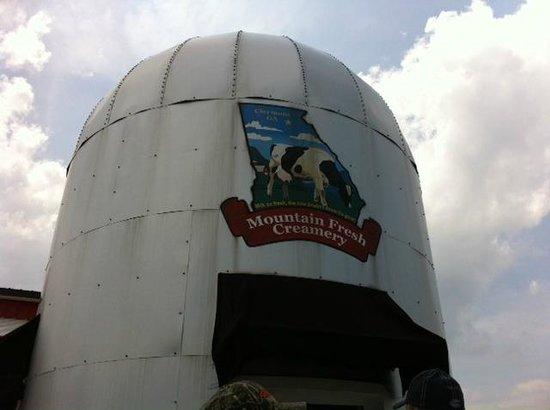 Mountain Fresh Creamery silo
