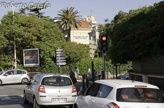 Hotel Le Vendome Villa Claudia: rua do hotel e esquina