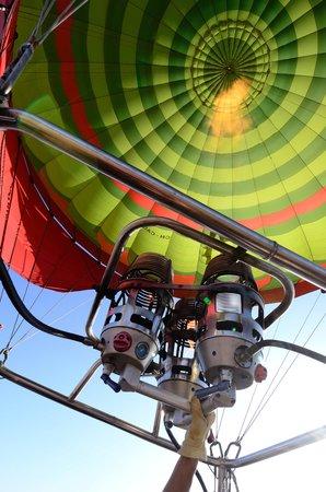 Ciel d'Afrique Hot Air Ballooning : Pick up vehicle