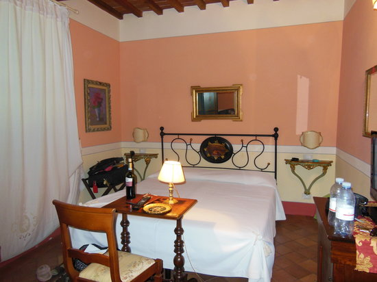 Albergo Il Rondo: Our room.