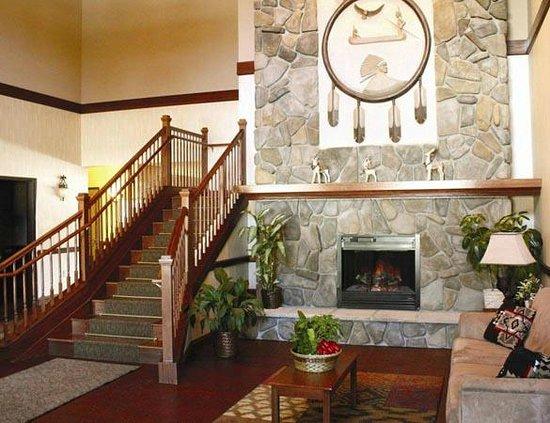 Mole Lake Casino & Lodge: Hotel Lobby