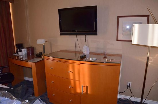 Executive Airport Plaza Hotel & Conference Centre Richmond: Our room