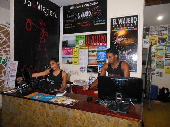 El Viajero Cartagena Hostel: Front Desk