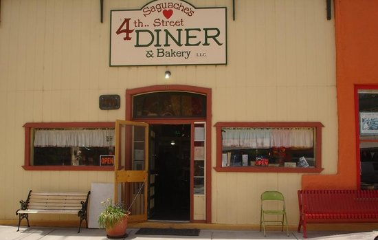4th Street Diner & Bakery: Have a seat on the bench and stay a while
