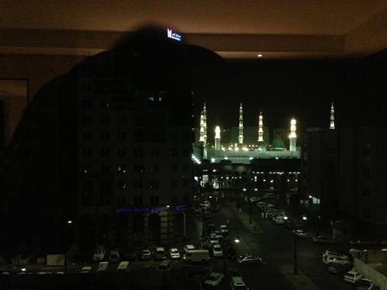 Crowne Plaza Madinah : view from my room to Alharam