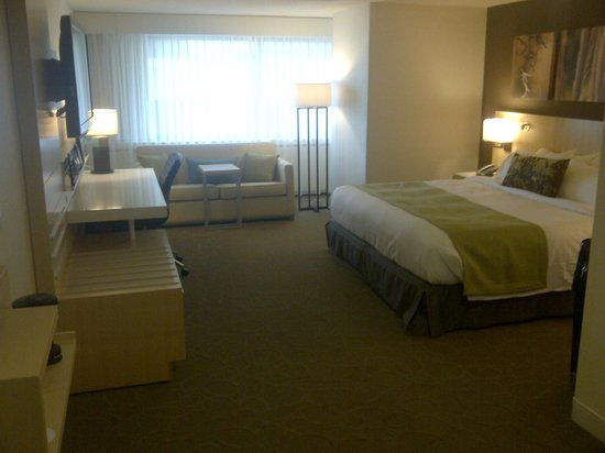 Delta Hotels by Marriott Quebec: Room