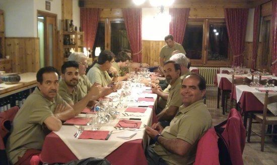 Hotel Ondezana: El Grupo