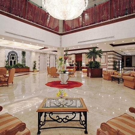 Movenpick Hotel Cairo-Media City: Lobby