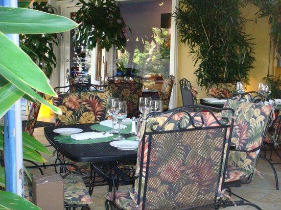 Patio Delray: Dining Al Fresco