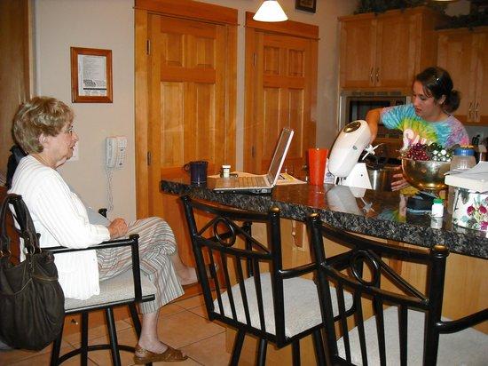 Mary's Lake Lodge Mountain Resort and Condos: Condo unit 11B