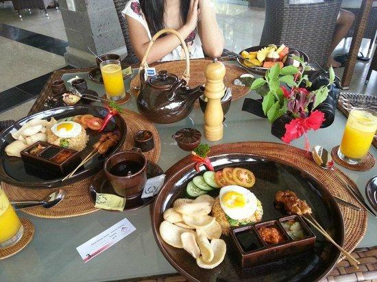 Hotel Ombak Sunset: Indonesia Breakfast Set