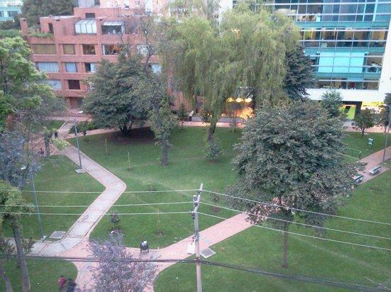 Hotel Parque 97 Suites: Vista desde la ventana de la habitación