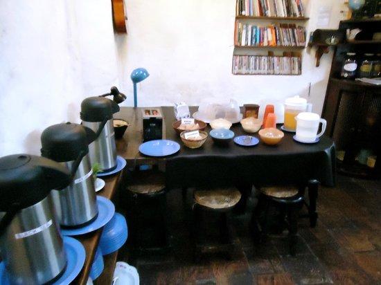 Anandamayi Hostel: breakfast