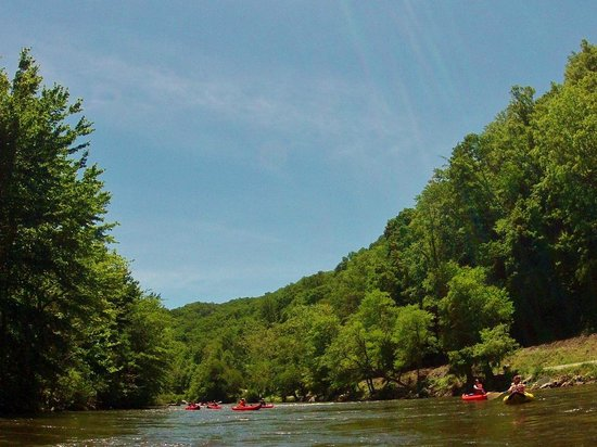 Tuckaseegee Outfitters: Paddling on the Tuckaseegee