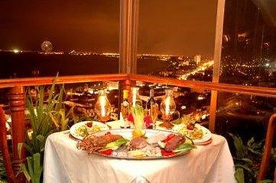 Hotel Suites la Siesta: Romanticdinnertable Cityview