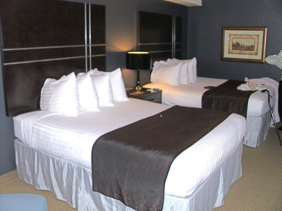 Best Western Inn At The Meadows: Two queen-bed rooms