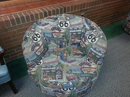Route 66 Hotel And Conference Center: loved the chair