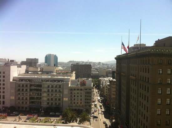 Kimpton Sir Francis Drake Hotel: Union Square from floor 33.