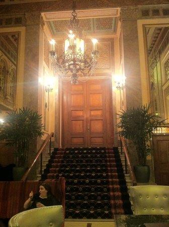 Kimpton Sir Francis Drake Hotel: Private dining entrance.